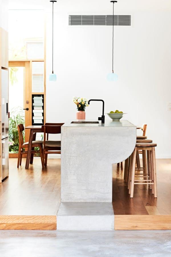 Использование бетона в интерьере кухни - фото 11