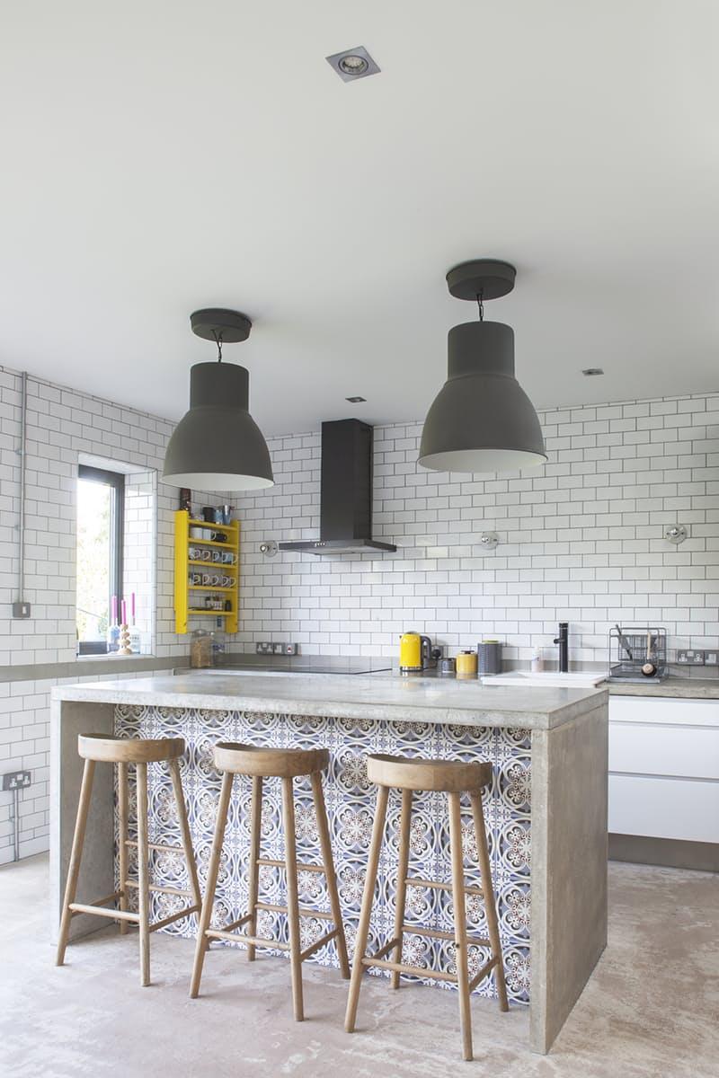 Использование бетона в интерьере кухни - фото 14