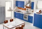 Интерьер кухни цвета ультрамарин