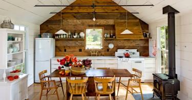 Современная кухня с деревенскими мотивами