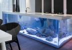 Потрясающий кухонный остров-аквариум