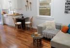 Венские стулья в интерьере маленькой кухни