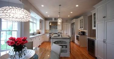 реативные светильники в интерьере современной кухни