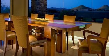 Прямоугольный обеденный стол в интерьере столовой