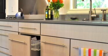 Стильный гарнитур в интерьере кухни