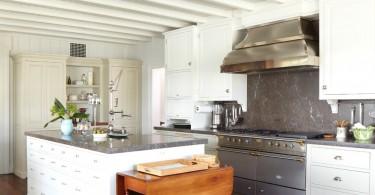 Традиционная кухня, проект от Peter Zimmerman Architects