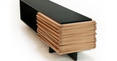 Деревянный стол-буфет