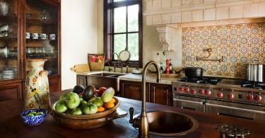 Дизайн медной мойки в интерере кухни