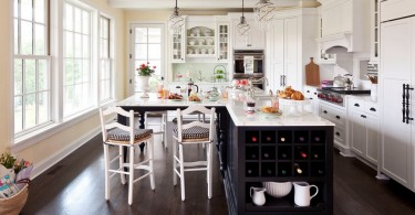 Кухонный остров с нишами для хранения вина
