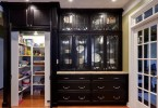 Современная кладовая в кухонном шкафу