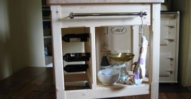 Деревянная кухонная тележка
