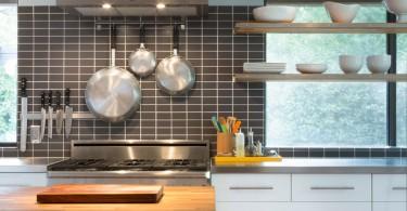 """Современный """"Кухонный фартук от Davenport Building Solutions"""