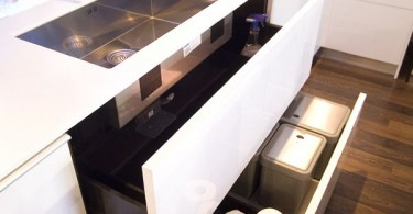 Стильная кухня-аквариум с визуальным эффектом
