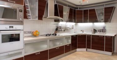 Встроенная техника в оформлении кухни