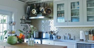 Проволочные корзины для полотенец и посуды
