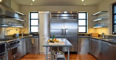 Дизайн кухни из нержавеющей стали