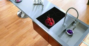 Потрясающая кухня-башня от Philippe Starck