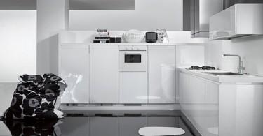 Стильный дизайн белоснежной кухни