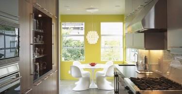 Жёлтая стена в интерьере столовой
