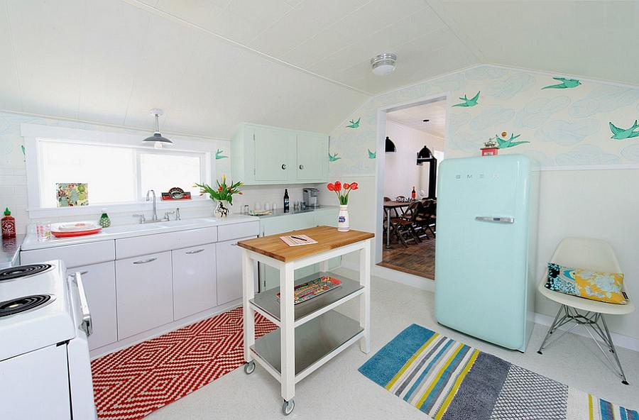Креативные обои в стильном интерьере кухни от Sarah Phipps