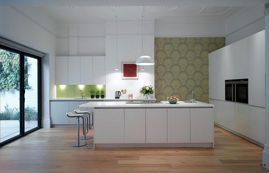 Яркие элементы декора на кухне: креативные обои в стильном интерьере от Roundhouse
