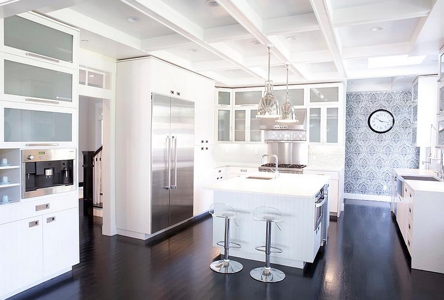 Креативные обои в стильном интерьере кухни от 360 design studio