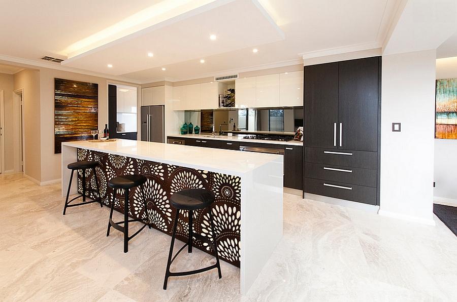 Креативные обои в стильном интерьере кухни от Sheila bridges design