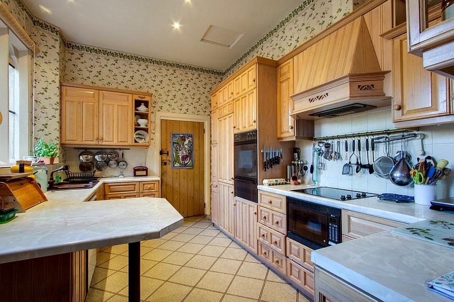 Креативные обои в стильном интерьере кухни от Durrant Associates