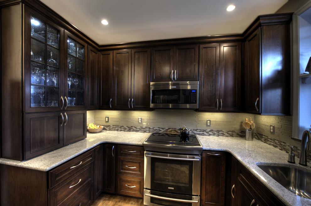 Кухонные гарнитуры темного цвета дизайн