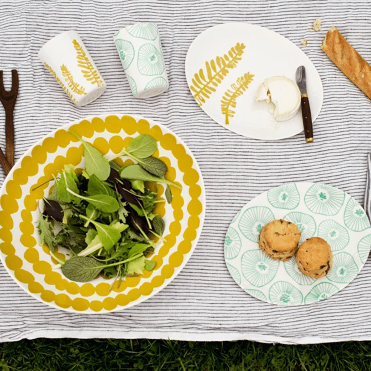 Желто-белая салатница