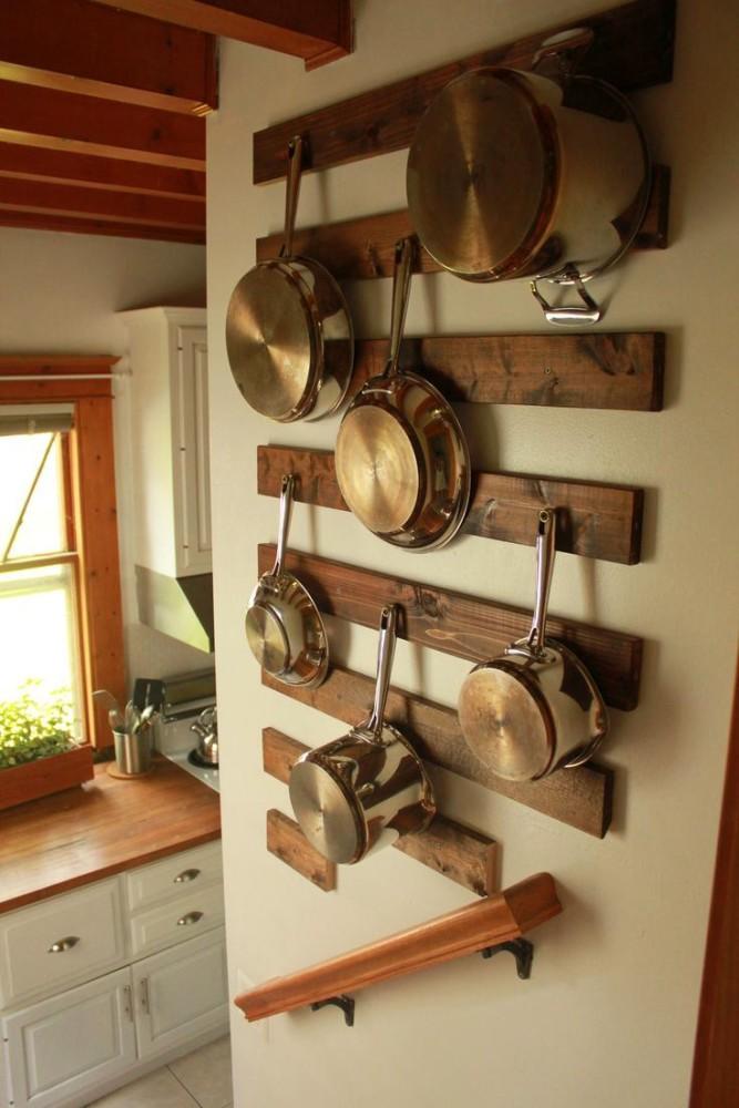 Настенные бруски для хранения сковород