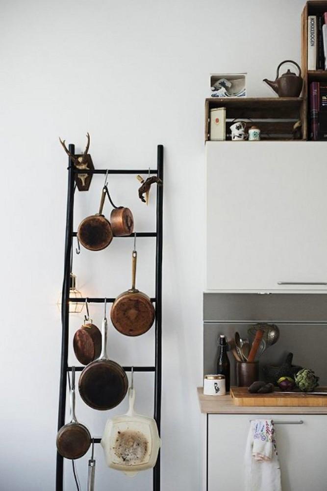 Лестница для хранения сковород
