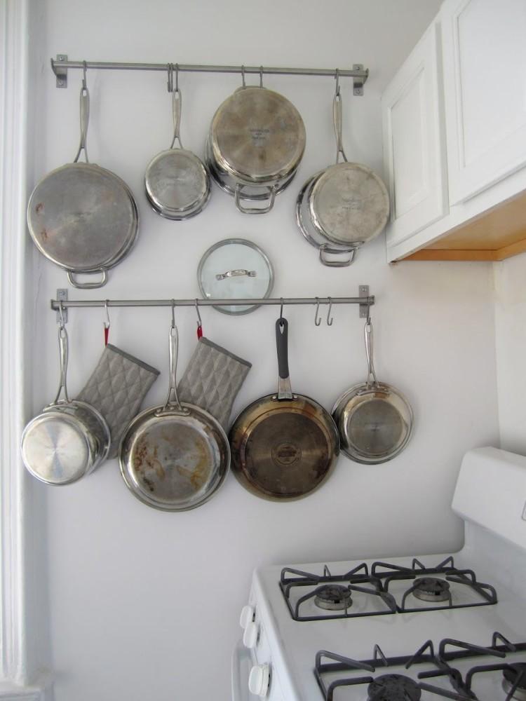 Хранения кастрюль и сковородок на навесных штангах