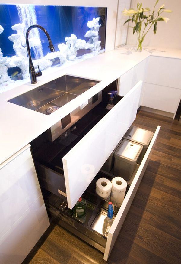 Аквариум в зоне кухонного фартука