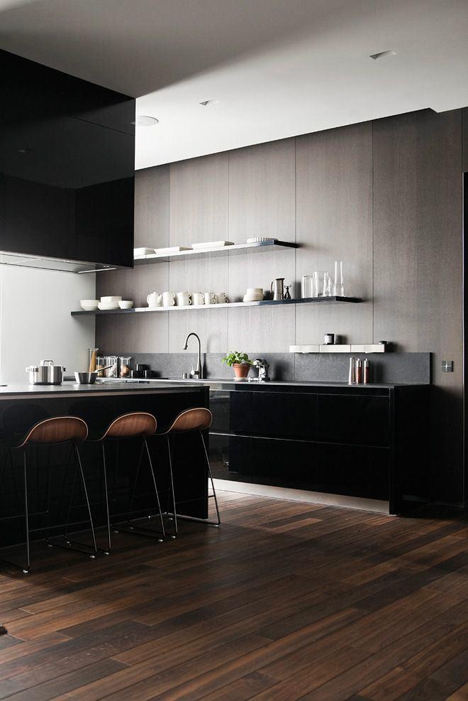 Классическая черная кухня