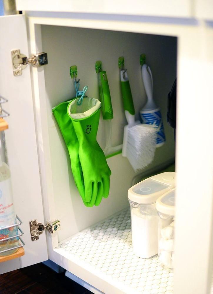 Хранения перчаток под раковиной