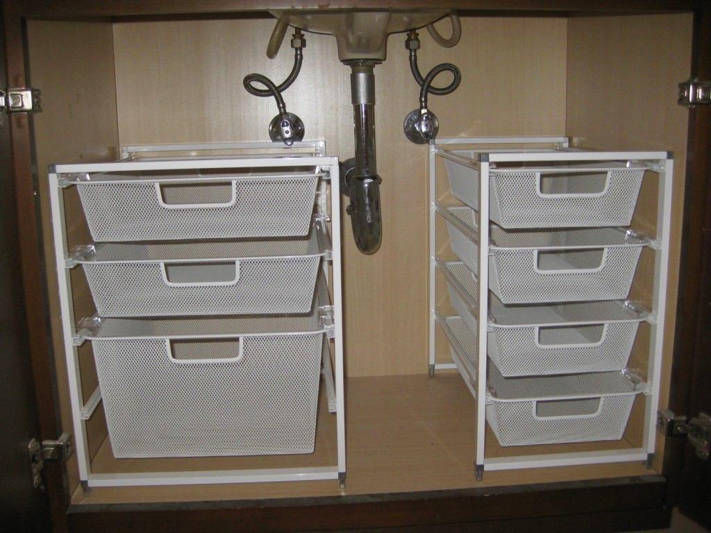 Белые шкафчики для хранения под раковиной