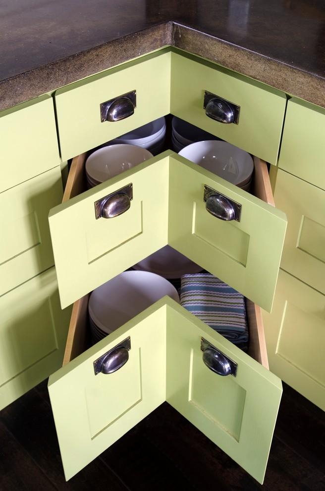 Угловые выдвижные ящики кухонного гарнитура