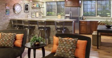 Как правильно выбрать стулья для кухонной барной стойки
