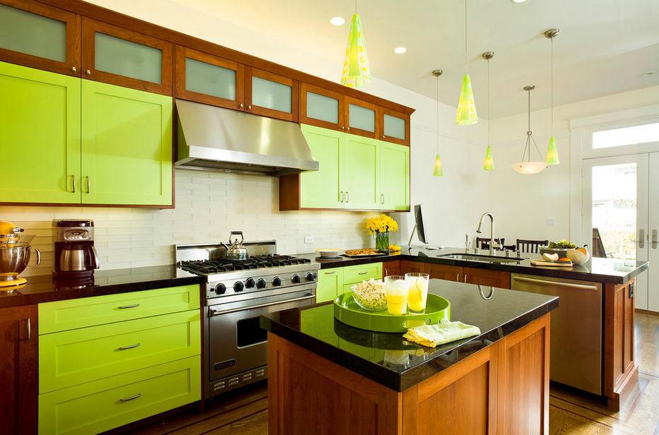 Зеленые фасады кухонной мебели