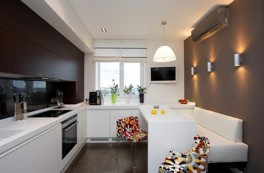 Белая кухонная мебель в современном стиле