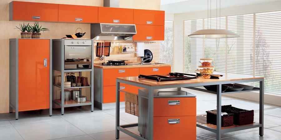 Яркий дизайн интерьера кухни от ladimoradesign.com