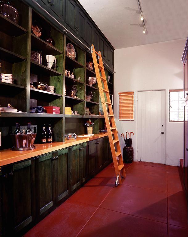 Яркий дизайн интерьера кухни от KIYOHARA & MOFFITT