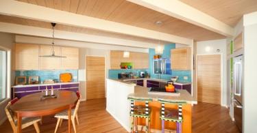 Красочный дизайн интерьера кухни от Green Goods