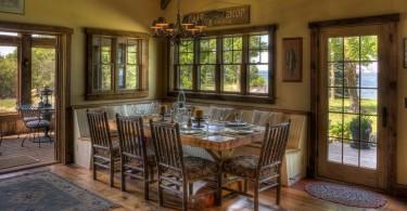 Рекомендации лучших дизайнеров по рациональному использованию угловых гарнитуров в интерьере кухни