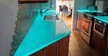 Самые стильные и современные столешницы из стекла для вашей кухни