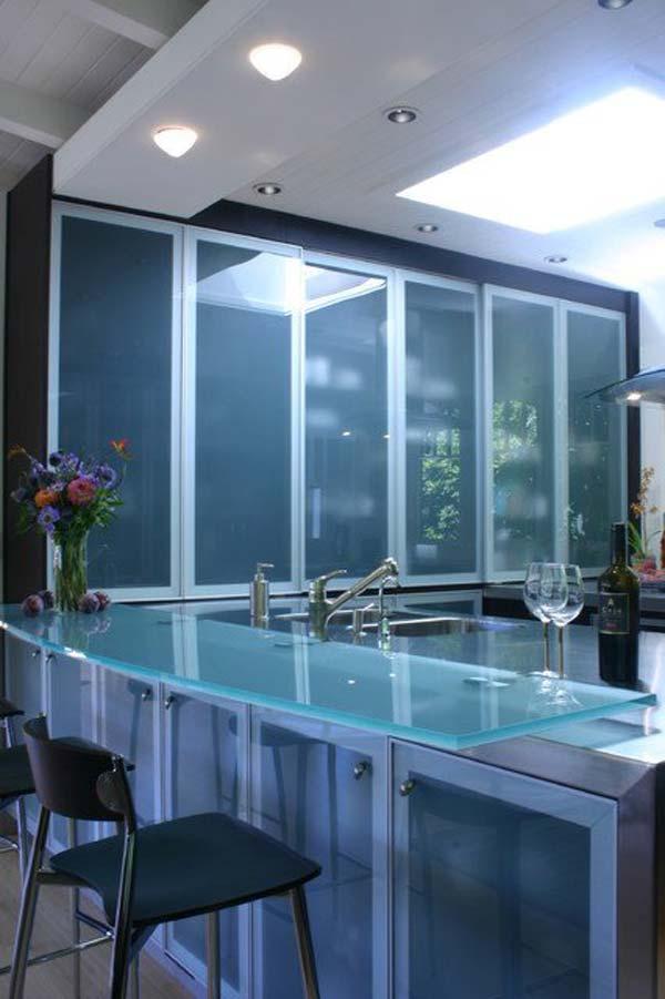 Столешница с голубым стеклом