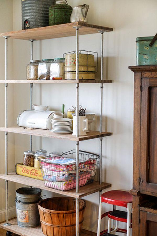 Деревянный кухонный стеллаж на металлической основе для хранения крупной посуды и аксессуаров