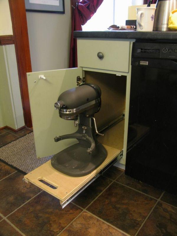 Выдвижной ящик для хранения мелкой кухонной техники