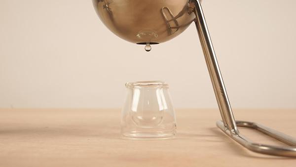 Стеклянная посудина для растительного масла